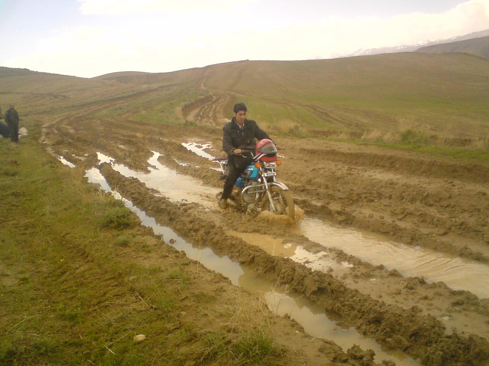 راههای روستای دوه یاتاقی کورانلو